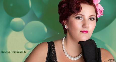 Miss Kimmy von White and a little bit green