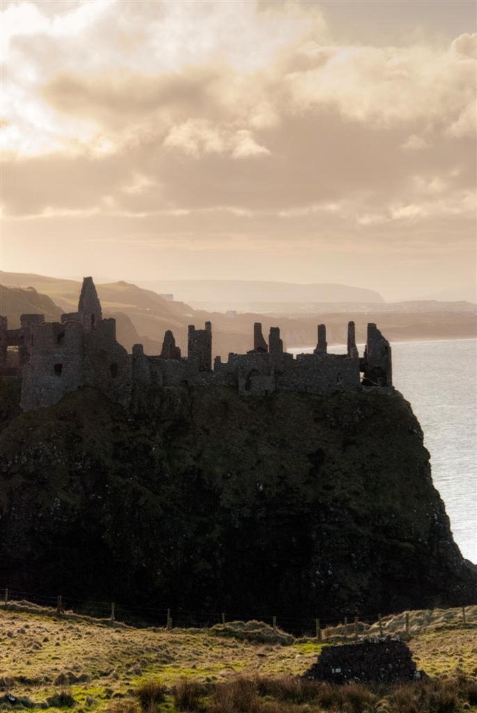 Irish Castle - - - foto door worldwidewilco op 18-03-2010 - deze foto bevat: kasteel, zonsondergang, landschap, ierland