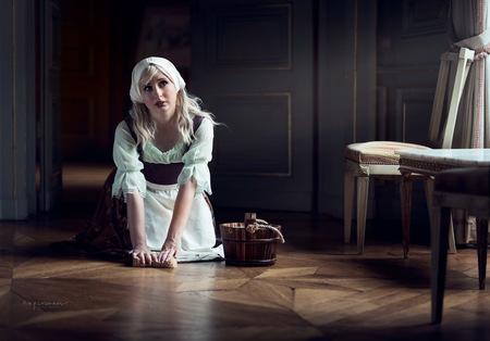 Juliet - Juliet poseerde als Assepoester in de fotoshoot in Kasteel Amstenrade - foto door botafriko op 22-08-2020 - deze foto bevat: vrouw, licht, model, nikon, meisje, beauty, rembrandt, blond, photoshop, fantasy, fotoshoot, cosplay, primelens, d750, nikkor85mmf18