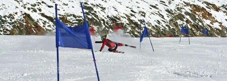Crashhh.. - Ronne Keller valt tijdens een RS training in Hintertux - foto door stephw op 28-11-2009 - deze foto bevat: sneeuw, ski, crash, skien, hintertux, stephan, ronne keller