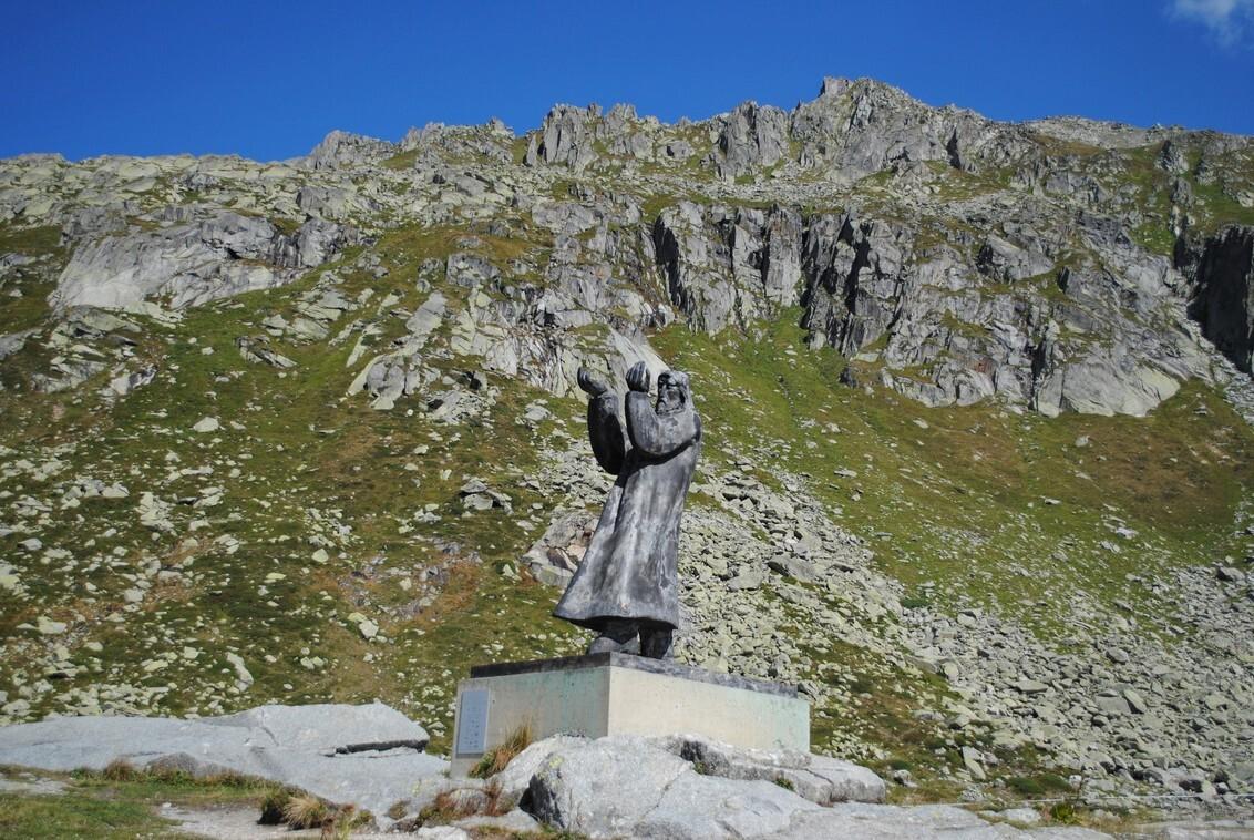 Zwitserland. - Deze foto gemaakt tijdens onze vakantie in Zwitserland. Wij maakten een dagtocht over de Gotthardpass 2091 m hoogte dit beeld stond op het hoogste p - foto door FemmieKoekoek op 05-10-2015