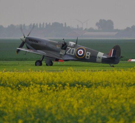 Spitfire MH 434 op de Vliegshow Oostwold (Oldambt)