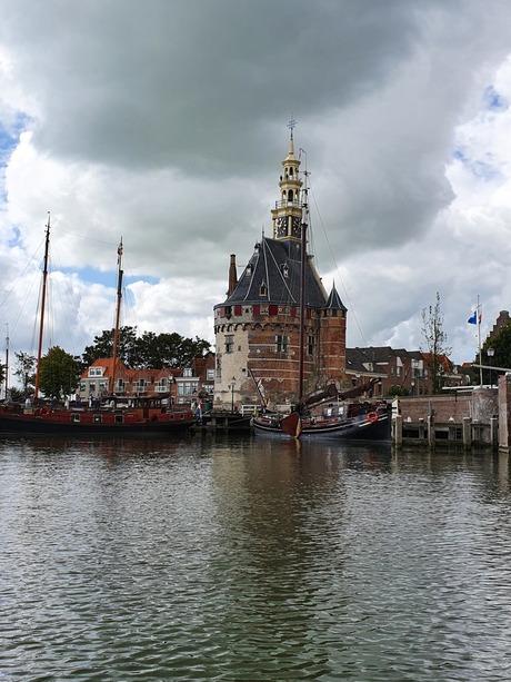 uitzicht op Hoorn vanaf het water