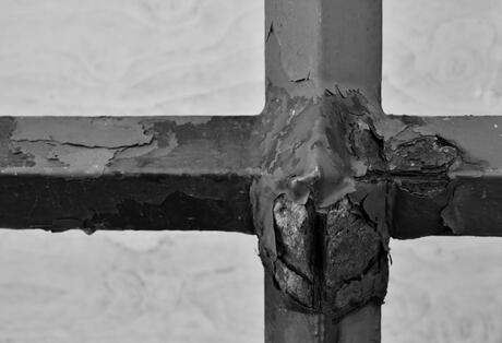 Cross or.....