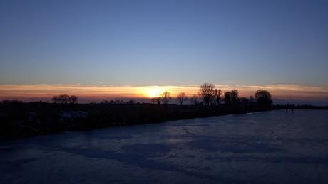 Zonsondergang vanaf het ijs