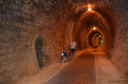 Fietstunnel - Fietstunnel tussen La Sauve en Créon in Frankrijk - juni 2013 - foto door MyriamVE op 15-09-2013 - deze foto bevat: frankrijk, fietstunnel