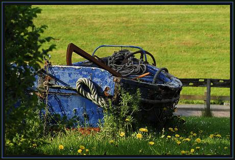 Een oude reddings roeiboot