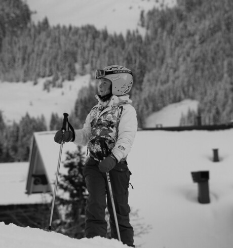 Dochter op ski's.
