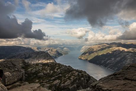 Noorwegen vanaf de Preikestolen 1
