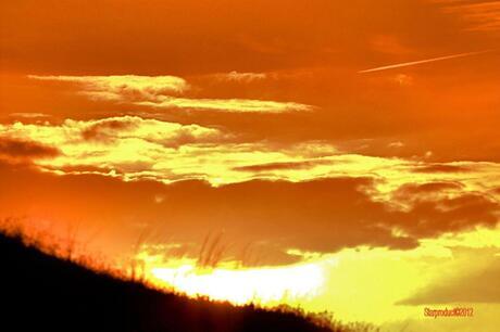 Mooie lucht bij zonsondergang