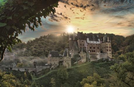 zonsopkomst Burg Eltz