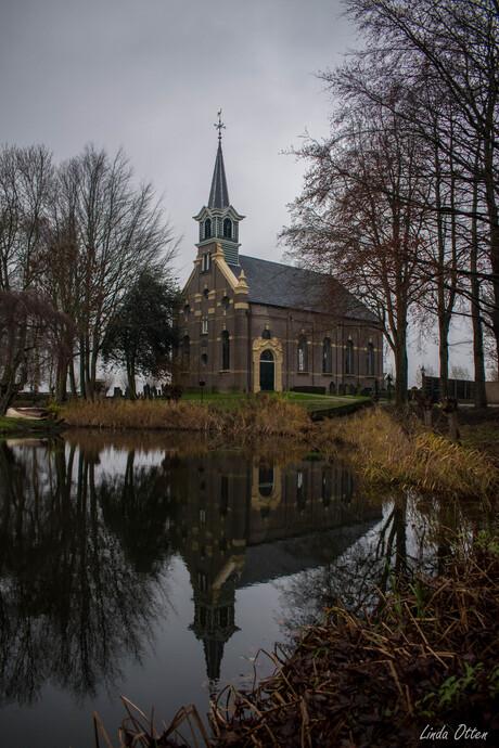kerk met spiegling