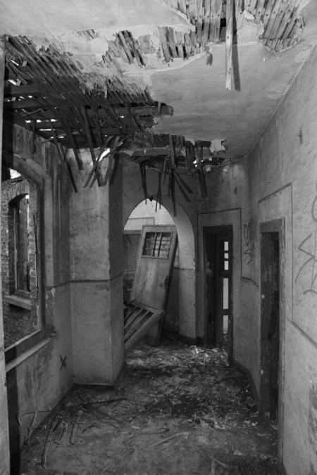 verloren gang - verlaten gebouw - foto door fpt op 14-09-2012 - deze foto bevat: urban