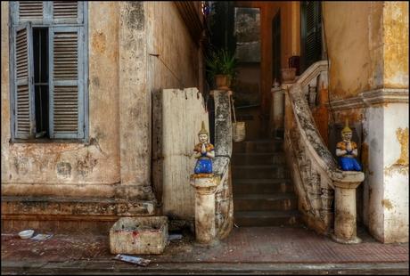 Huis op tempelcomplex Phnom Penh