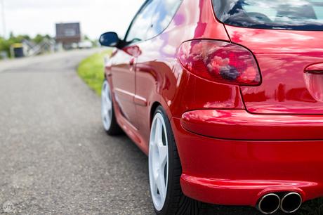 Het rode Peugeot'je