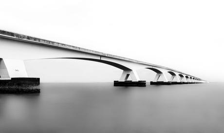 De Zeelandbrug in zwart / wit