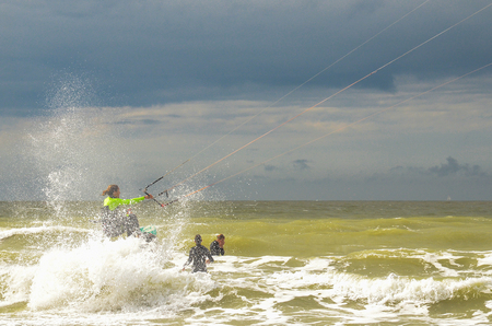 De kracht van de zee trotseren - De kracht van de zee trotseren .... - foto door Canard op 17-08-2017
