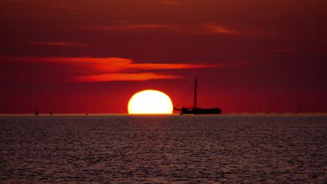 zonsondergang op het wad...