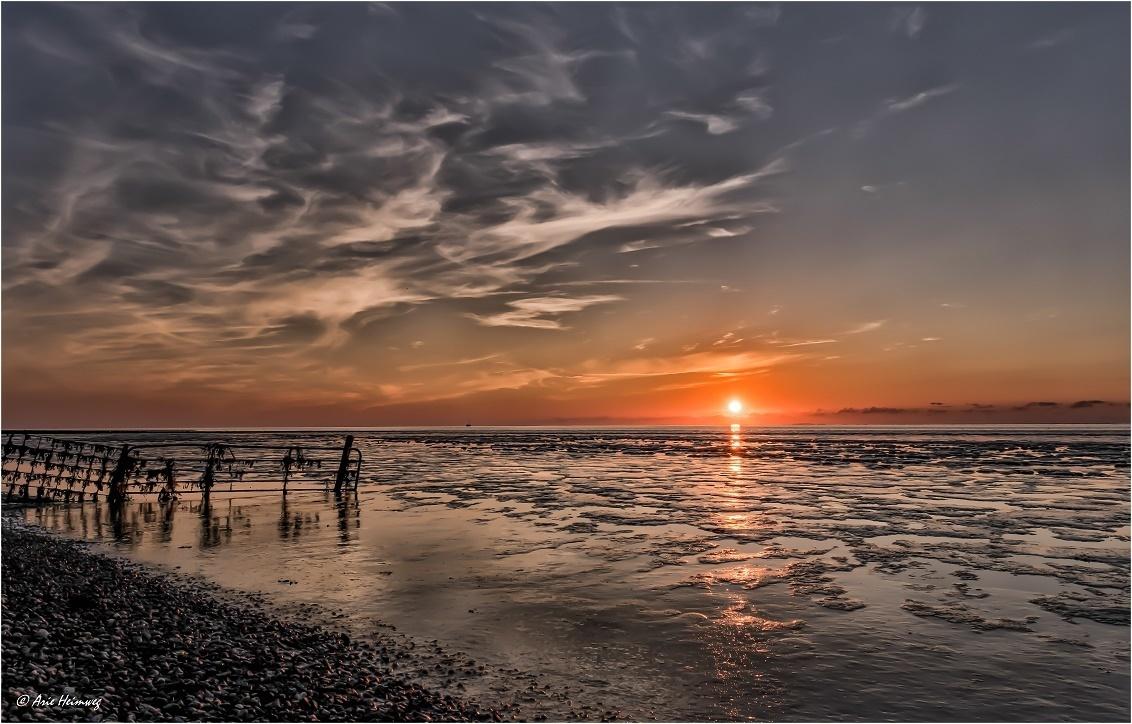 * Sundown Koehool * - - - foto door AriEos op 17-12-2020 - deze foto bevat: lucht, wolken, zon, zee, water, zonsondergang, kust