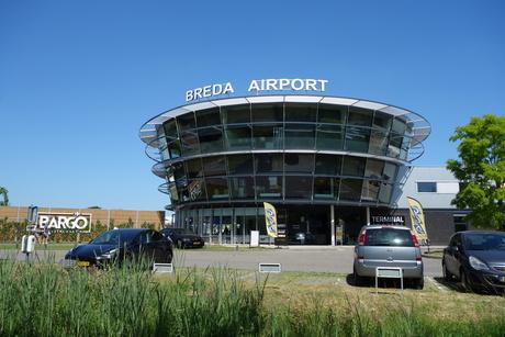 Bij Breda Airport in Seppe