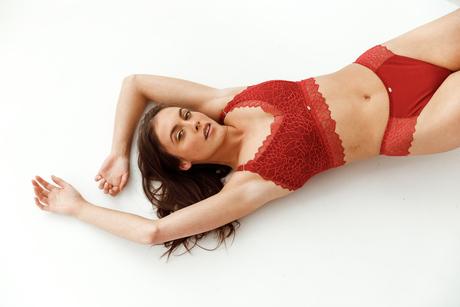 Beauty Lynn voor Savara Intimates