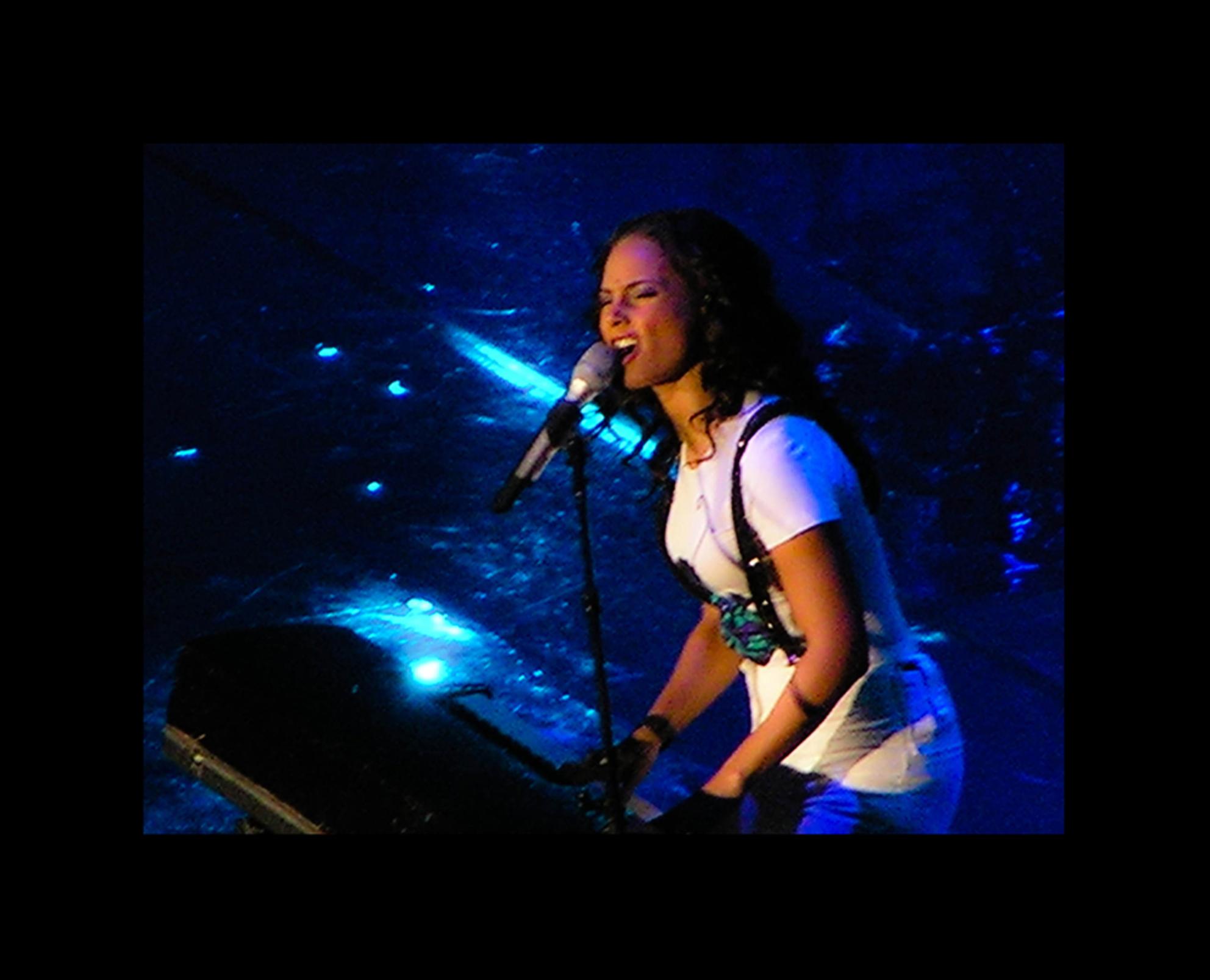 Ms Alicia Keys - Het was een geweldige concert van een prachtige jonge vrouw. - foto door shahaira op 28-10-2008 - deze foto bevat: muziek, concert, alicia, keys, shahaira - Deze foto mag gebruikt worden in een Zoom.nl publicatie
