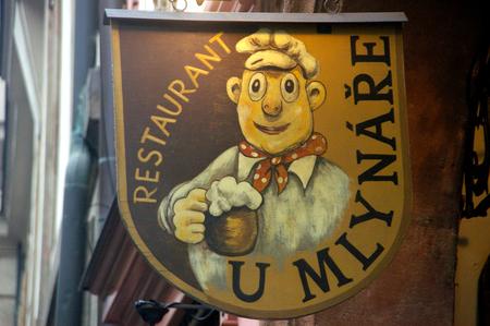 Uithangbord - Kleurrijk Praags uithangbord - foto door w.zijlstra10 op 24-03-2011 - deze foto bevat: praag, uithangbord