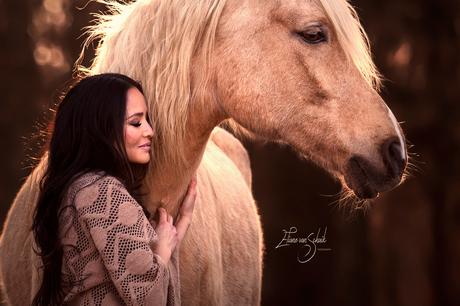 Romantische paardenfotografie Elsa en haar lieverd