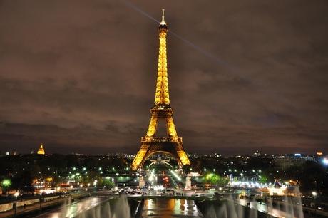 Eiffeltoren Parijs by night