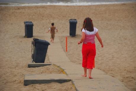 Beachfun for kids 1: Wie het eerste bij de zee is!