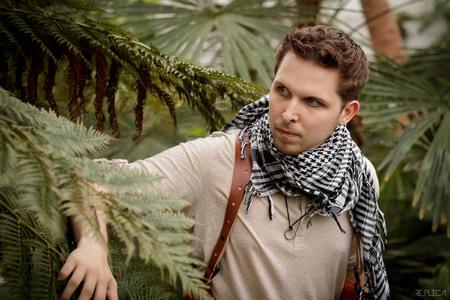 Uncharted - Joey als Nathan Drake van de videogame Uncharted. - foto door MikoBura op 06-03-2015 - deze foto bevat: man, kas, avontuur, kostuum, jungle, cosplay, videogame