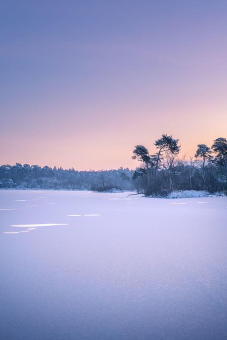 Sneeuw en zonsopkomst
