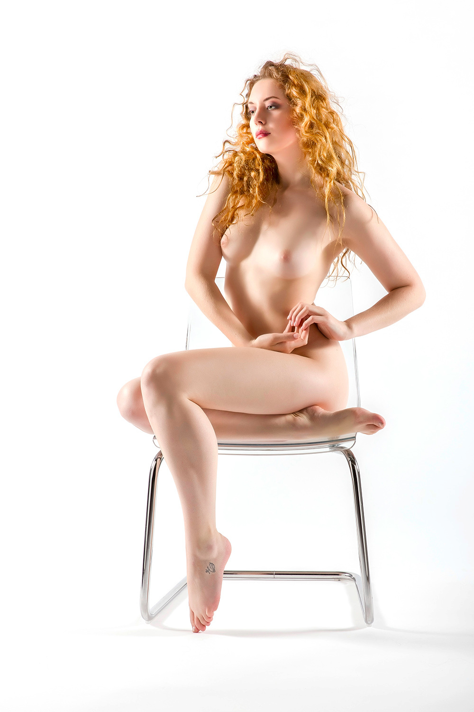 beautiful Ella-Rose - My beautiful English model Ella-Rose. - foto door jhslotboom op 10-01-2015 - deze foto bevat: vrouw, model, erotiek, mooi, naakt, pose, stoel, glamour, highkey, studio, fotoshoot, beautiful, engels, artistiek, ella-rose
