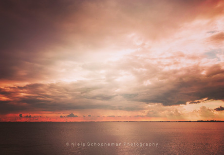 The Sky on fire, IJsselmeer