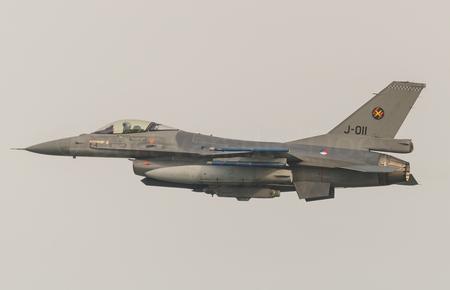 F-16A Block 20 MLU RNLAF J-011 - F-16A Block 20 MLU RNlAF J-011 - foto door BirdieBarty op 02-05-2017 - deze foto bevat: klu, afterburner, militair, piloot, volkel, vliegbasis, f-16, take-off, Koninklijke luchtmacht