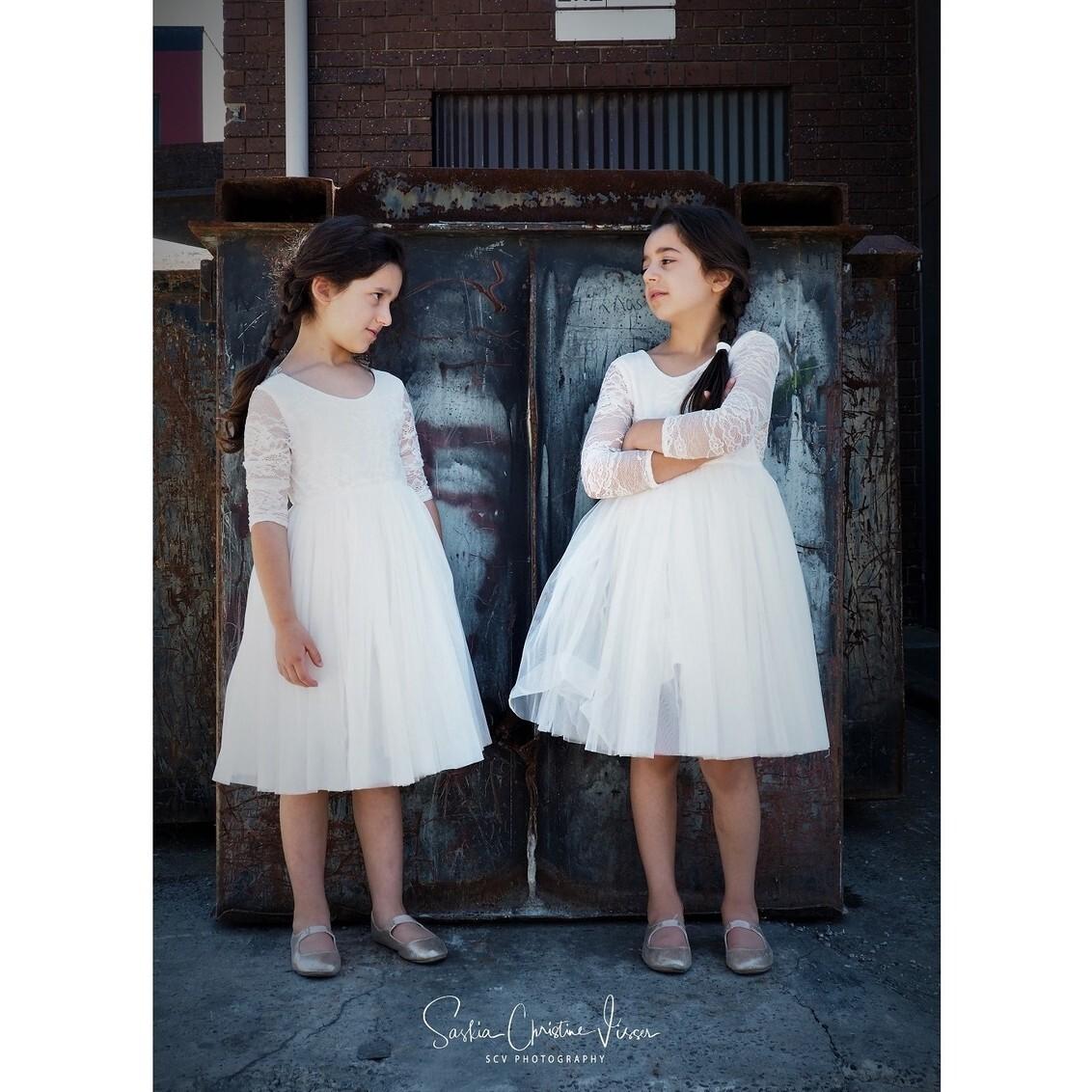 Who's boss - the bridesmaids - foto door SCV1564 op 31-01-2020 - deze foto bevat: portret, model, daglicht, kinderen, fashion, meisje, beauty, straatfotografie, fotoshoot