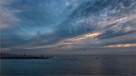 Katwijkse Sunset 5-8-2015 - - - foto door Jan Zuijderduijn op 06-08-2015