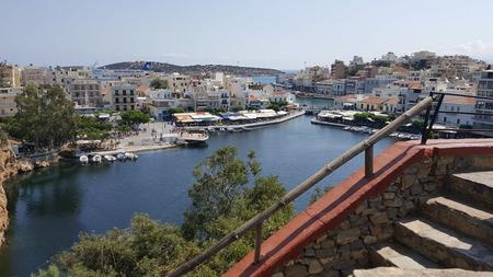 Welcome to the harbour - - - foto door Bianca-101 op 22-06-2018 - deze foto bevat: groen, trap, water, vakantie, boten, reizen, haven, kreta, griekenland, grieks, eiland, zonnig, toerisme, reisfotografie, aanmeren, europa, helder