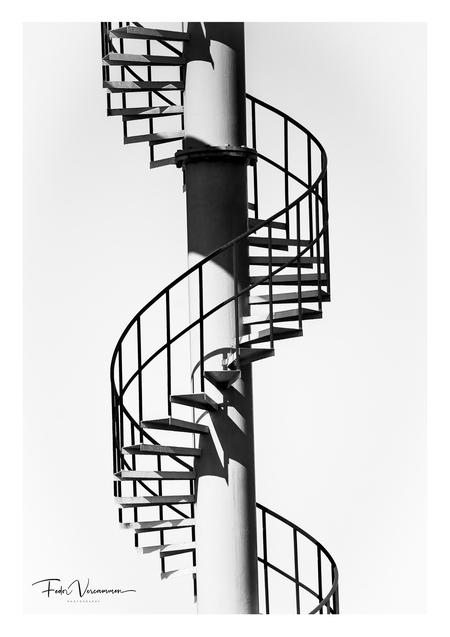 Infinity - - - foto door FedorVercammen op 02-03-2021 - deze foto bevat: trap, licht, beeld, schaduw, spiraal
