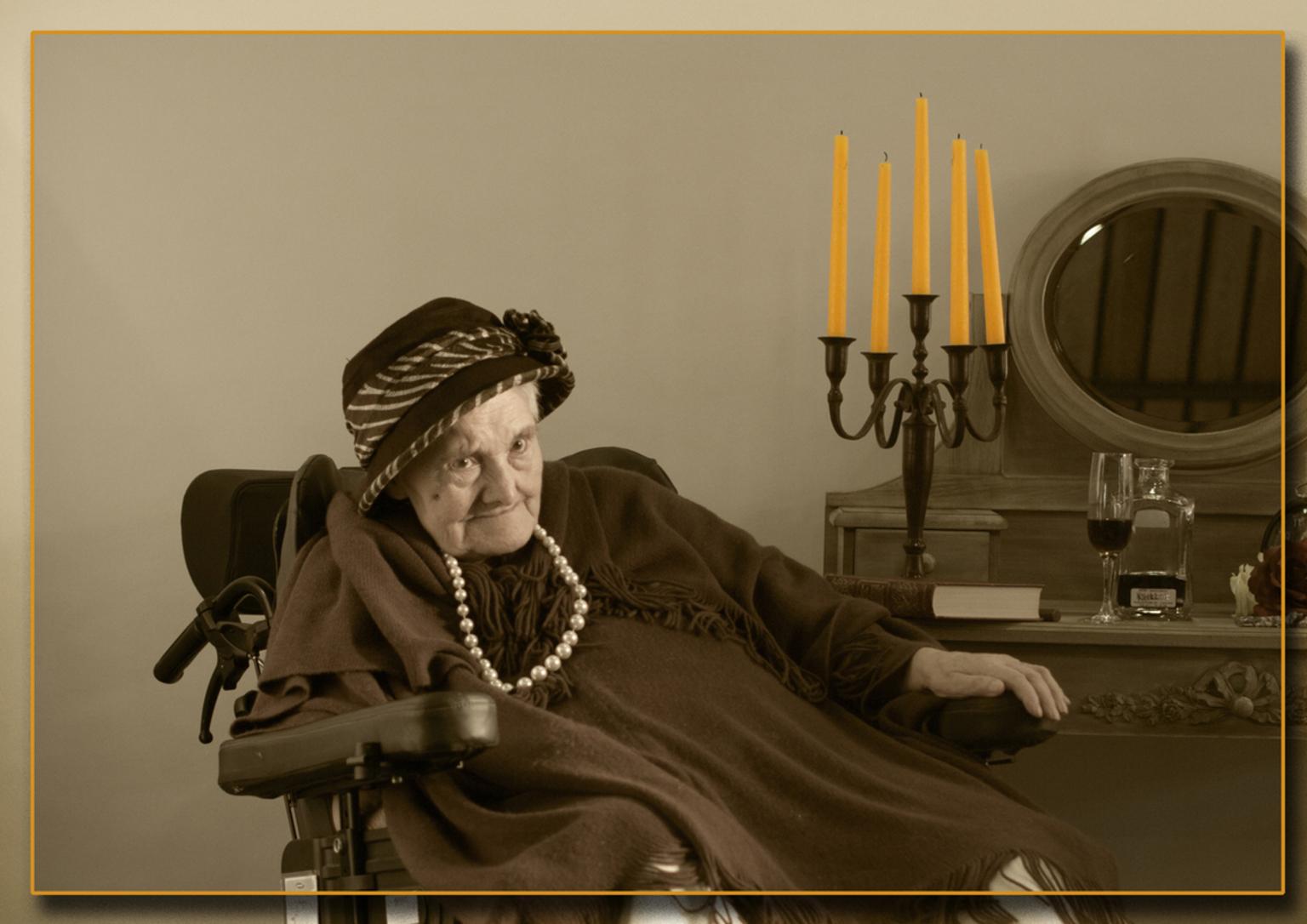 Senioren 29 - Voor de omschrijving zie senioren 1 - foto door kosmopol op 18-01-2012 - deze foto bevat: portret, glamour, senioren, kosmopol