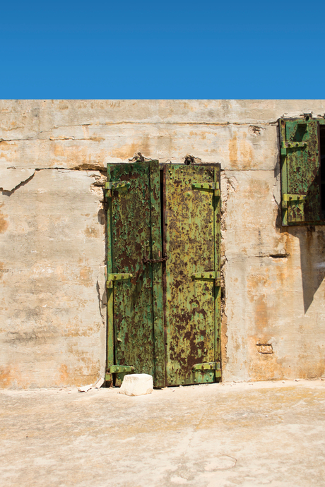 Doors Of Malta - Roestig