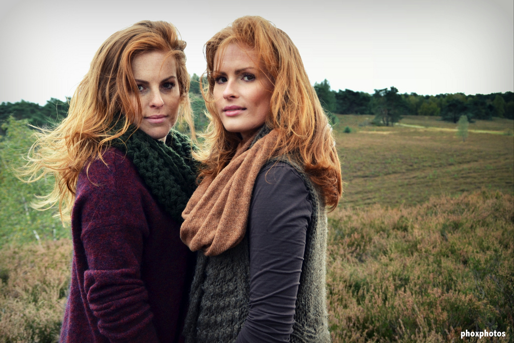 Anne&Merijn.jpg - Anne&Merijn Herfst - foto door ralphdevos op 28-10-2013 - deze foto bevat: de, herfst, wind, vos, nikon, fashion, najaar, anne, ralph, merijn, countryside, d7000, 2013, Phoxphotos, ralphdevos