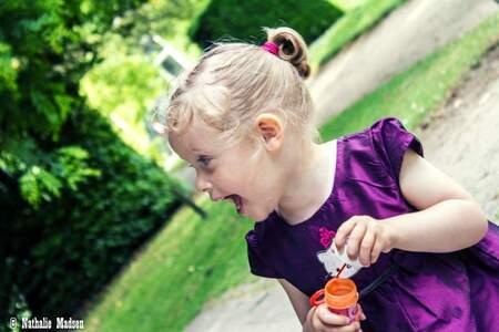 Models - Fleur - Fun in the park. Zomerse kinderfotoshoot. - foto door madsen.nathalie op 30-06-2015 - deze foto bevat: mensen, portret, model, kind, kinderen, meisje, fotoshoot