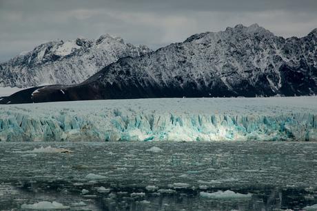 Krossfjord gletsjer Spitsbergen