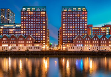 Blue hour Levie Vorstkade (Rotterdam)