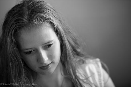 Hanneke in thoughts (B&W)