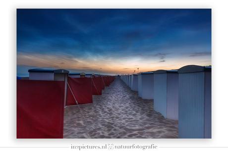 Lichtende nachtwolken boven Katwijk