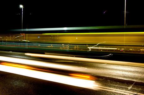 Tram in de nacht