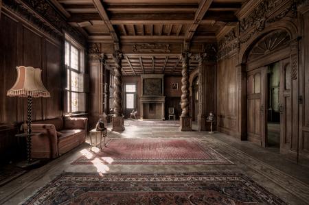 The Mansion 1 - Eén van de mooiste locaties die ik ooit bezocht heb. Zodra je hier binnen stapt, ga je terug in de tijd. - foto door daanoe op 16-04-2012 - deze foto bevat: vervallen, verval, urbex, exploration, maison, exploring, town, exploren, daanoe, victoire