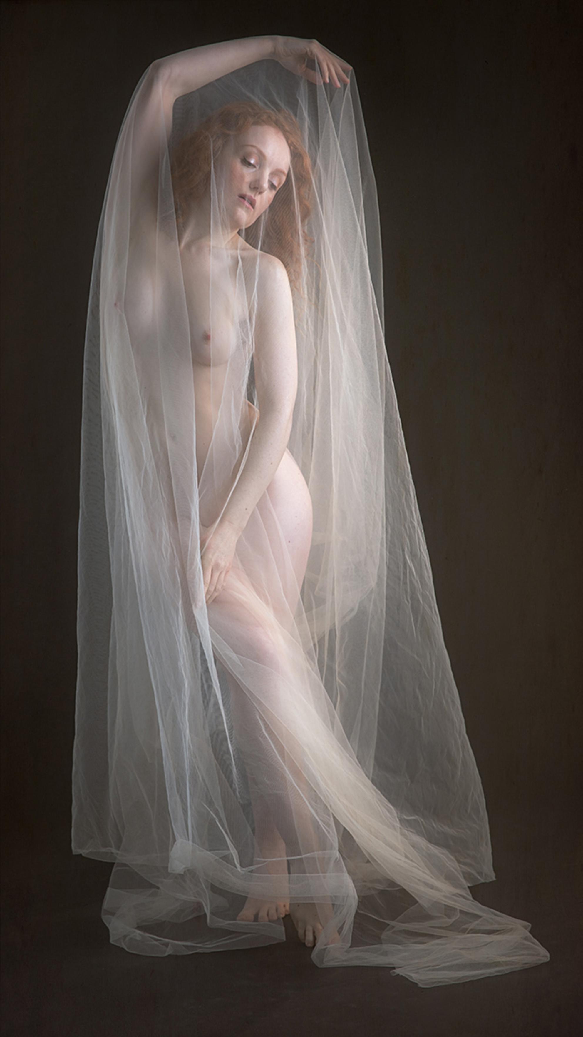 in sluiers - Ivory Flame - foto door jhslotboom op 09-02-2018 - deze foto bevat: vrouw, soft, licht, model, erotiek, naakt, pose, studio, klassiek, sluier, transparant, artistiek, roodharig, doorzichtig, redhead, Ivory flame